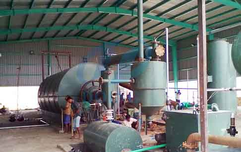 Waste plastic to fuel oil pyrolysis plant in Bangladesh