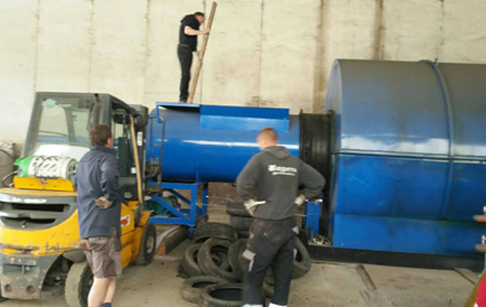 Czech customer bought one set 10 tons  pyrolysis plant from our company