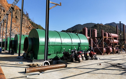 4 sets 12T wast tire to oil recycling plant installed in Guizhou, China