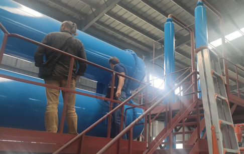 Mexican customer bought one set 10T plastic pyrolysis oil to diesel distillation plant in DOING