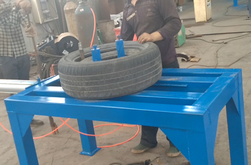 Tyres doubling machine runing video
